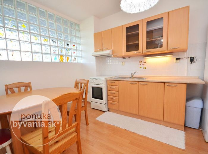 PRENAJATÉ - VRAKUNSKÁ CESTA, 2-i byt, 59 m2 - svetlý byt, NOVOSTAVBA, veľká loggia, ZARIADENÝ, klimatizácia, krásny výhľad
