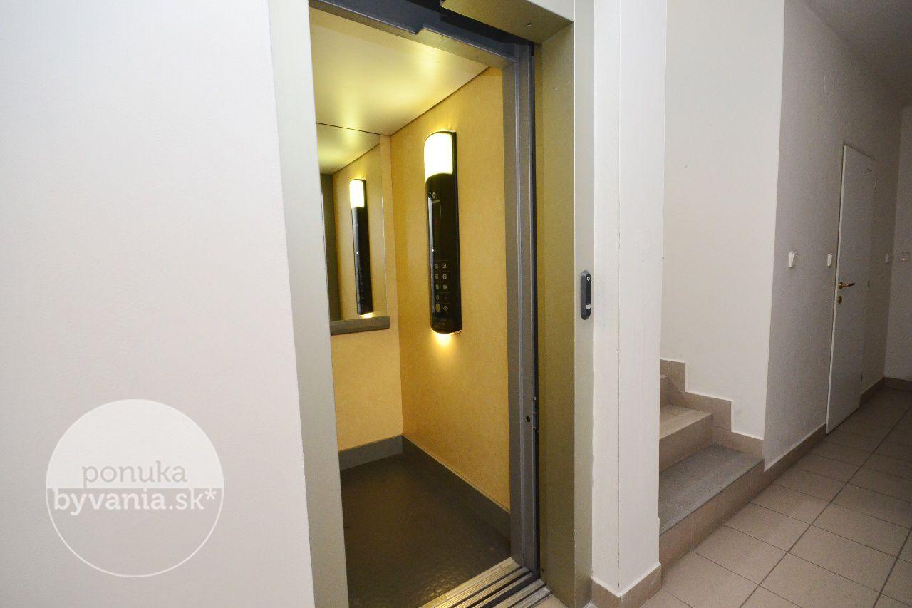 ponukabyvania.sk_Vrakunská cesta_2-izbový-byt_KOVÁČ