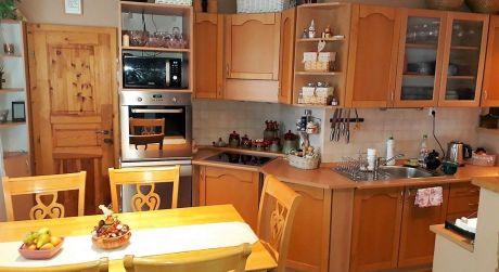 NASŤAHUJ SA! Predaj - luxusný veľký 3 izbový byt s balkónom na VII.sídlisku v Komárne