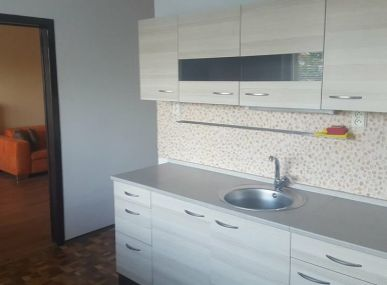 MAXFIN REAL na predaj veľký  2 izb byt s loggiou na Klokočine