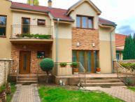 REALFINANC 100% aktuálny !!! 5 izbový rodinný dom + dvojgaráž, pozemok 500 m2, krb, altánok, Trnava - časť Spiegelsaal