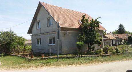 5 izbový rodinný dom na prenájom - obec Bezenye