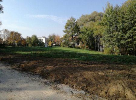 Ponúkame na predaj pozemok v lukratívnej časti Bojnice na výstavbu rodinného domu, alebo chaty.