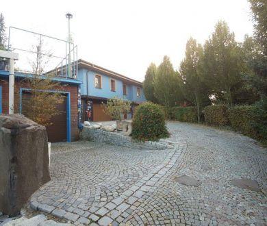 Exkluzívne! Iba u nás! Nadštandardný rodinný dom s veľkým pozemkom 2362 m2 Považská Bystrica