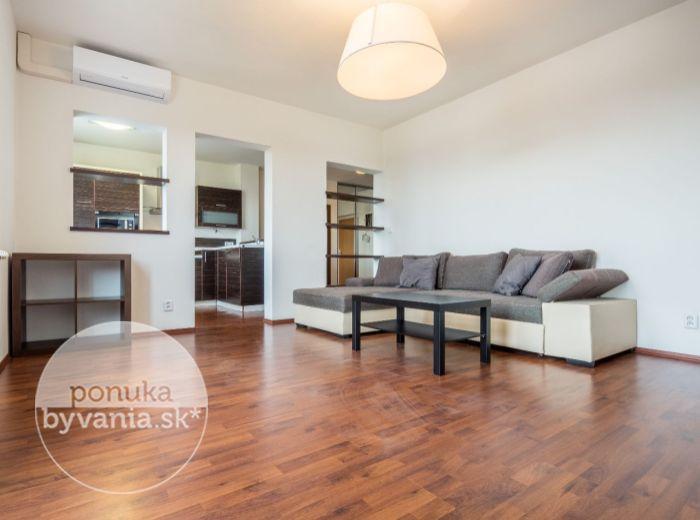 PRENAJATÉ - PEČNIANSKA, 2-i byt, 63 m2 – slnečný byt, ZARIADENÝ, tehla, LOGGIA, garážové státie, výnimočná LOKALITA, ihneď voľný