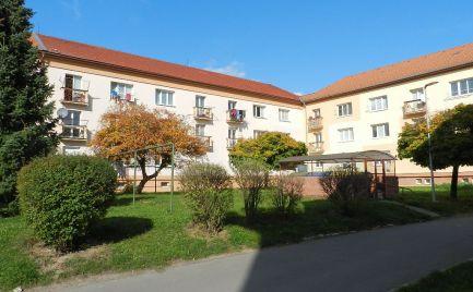 Dvojizbový tehlový byt s balkónom, Žiar nad Hronom, centrum mesta
