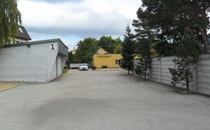 Predám pozemok s polyfunkčnou budovou na výstavbu bytov v centre Nitry.