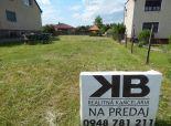 Stavebný pozemok 742 m2 + záhrada 1248 m2, Komjatice