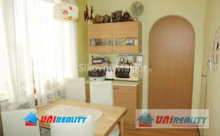 PREDANÉ - BÁNOVCE NAD BEBRAVOU- 3,5 izbový byt / čiastočná rekonštrukcia / IBA U NÁS