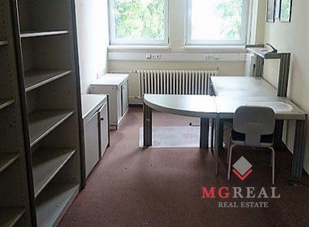 Kancelárske priestory, malé kancelárie 25m2, 27m2, Bojnická, parkovanie