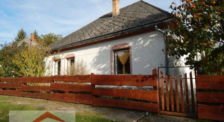 Na predaj rodinný dom v Maďarsku v obci Csatka, 150m2, garáž