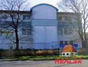 Areál s výrobou, skladmi a administratívou v Nitre na predaj