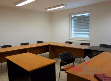 Malá kancelária v novostavbe, 22m2, Nové Mesto, parkovanie