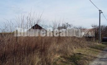 Na predaj 20 árový pozemok v Komárne.