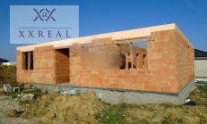 PREDAJ stavebné pozemky s rozostavanými domami v obci POHRANICE