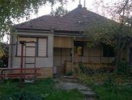 REALFINANC - Ponúkame Vám na predaj čiastočne prerobený 3 izbový rodinný dom v obci Slovenská Nová Ves, ul. Hlavná.