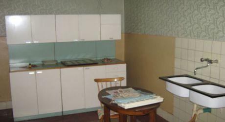 Predám 4-izbový rodinný dom v Obide.