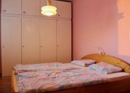PREDANÉ -  4izbový byt, Markova, Petržalka 69m2