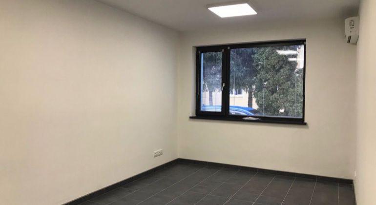 Na prenájom - komerčné priestory vhodné pre kancelárie, služby