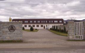 Ponúkame Vám na predaj  polyfunkčný areál 1.041 m2, celková rozloha 5.478 m2, Ilava.