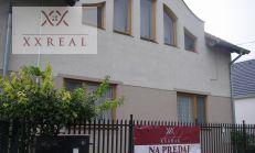 Predáme Rodinný dom s dvoma bytovými jednotkami v Šamoríne na Polovníckej ul.