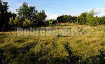 pozemok 828m2 v obci Nitrianske Hrnčiarovce