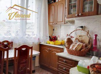 REZERVOVANÝ EXLUZIVNE - 3 i byt na Kurskej ul. po čiastočnej rekonštrukcii
