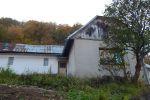 PREDAJ : rodinný dom vhodný na rekonštrukciu v obci Riečka neďaleko Banskej Bystrice