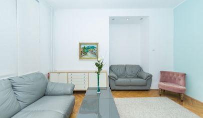 3- izbový byt s klasickou atmosférou, orientovaný do tichého vnútrobloku
