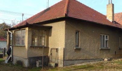 Čereňany Rodinný dom s pozemkom 2145 m2