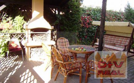 Predaj: 4 izbový rodinný dom v Senci, 24 ročný, 2-podlažný, dvojgaráž.