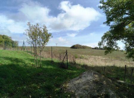 Na predaj pozemky v Malých Kršteňanoch