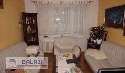 HANDLOVÁ,4 izbový byt,4 poschodie,98,1m2