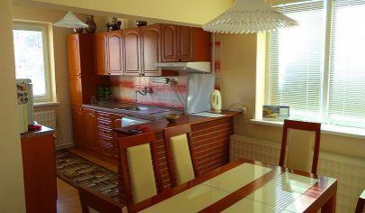 KOLAČNO, 5 izbový rodinný dom rekonštrukcia, pozemok s výmerou 1026 m2