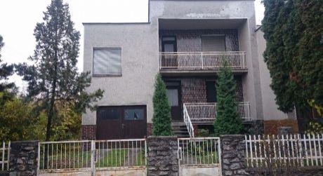 Predaj rodinného domu v meste Lučenec.