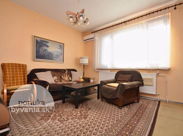PREDANÉ - WOLKROVA, 3-i byt, 70 m2 – príjemný byt s loggiou, s výhľadom do parku, KLIMATIZÁCIA, zateplený dom, výborná lokalita – ZAČIATOK PETRŽALKY
