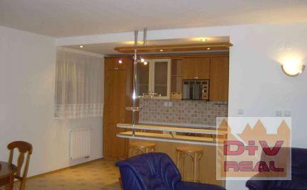D+V real ponúka na prenájom: 5 izbový byt, Líščie údolie, Karlova Ves, Bratislava IV,  zariadený, s dvoma parkovacími státiami, dvor k dispozícii