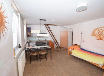 Prenájom rodinného domu na podnikanie/bývanie v Piešťanoch