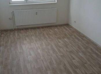 Reality Štefanec /ID-10568/ BA-Petržalka, 4 izb. byt na prenájom Budatínska ul., cena: 750,- vr. energií, internetu a TV.
