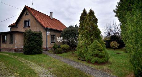Rodinný dom s veľkým pozemkom v centre mesta