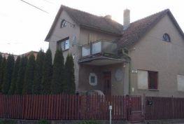 2 - podlažný rodinný dom 250m2, Ilava
