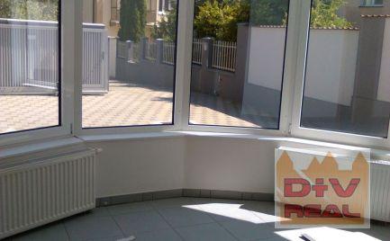 Prenájom: 9 izbová vila, Jeséniova ulica, Bratislava III, Koliba, nezariadený, parkovanie, tri bytové jednotky