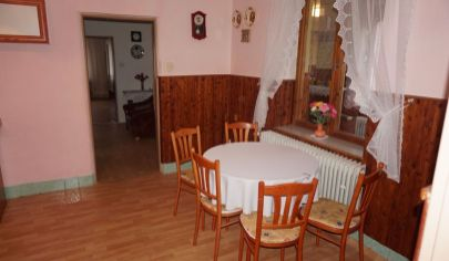 DLŽÍN  6 izbový rodinný dom pozemok 1047m2  okr.Prievidza