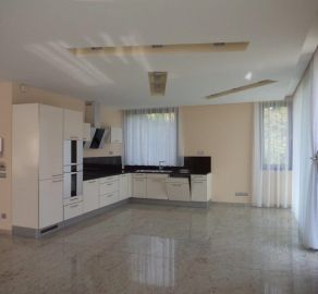 StarBrokers - Prenájom - Moderný 5-izbový byt v novostavbe mestskej vily pre náročného klienta, Lovinského