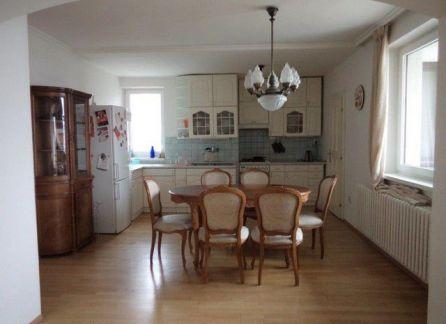 STARBROKERS - Prenájom - Veľký 4-izbový byt v príjemnej lokalite, Magurská ulica