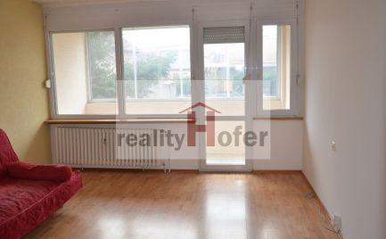 Zrekonštruovaný 3 izbový byt s loggiou blízko centra, Prešov