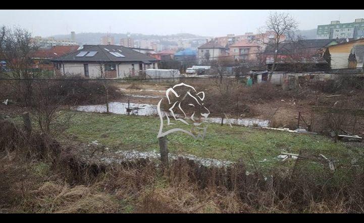 6,5 a 9 arový pozemok neďaleko centra Vranova n. T.
