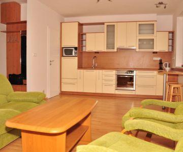 Nájom 2-izb bytu, centrum, Liptovský Mikuláš