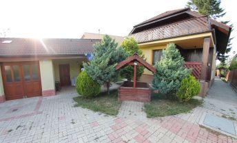 Dva domy na pozemku - predaj