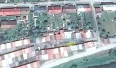 TURANY rovinatý pozemok 20m2